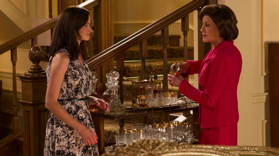 "GILMORE GIRLS: A YEAR IN THE LIFE Recap: ""Fall"" Into the Finale"
